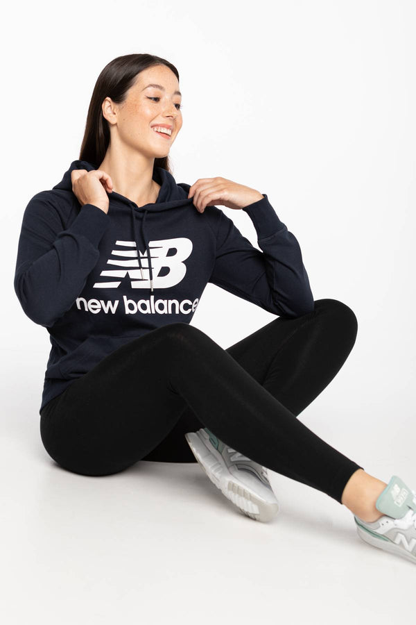#00015  New Balance oblečení, mikina BLUZA ESSENTIALS PULLOVER HOODIE ECL 550 NAVY