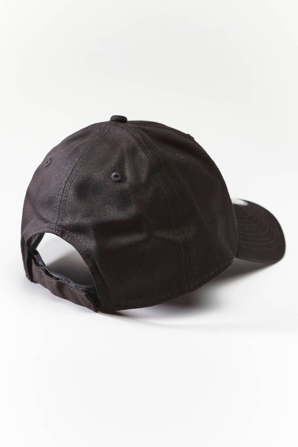 #00085  New Era doplňky FLAG 866 BLACK/OPTIC WHITE