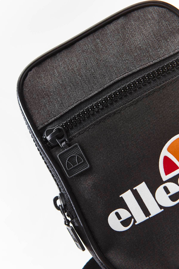 #00113  Ellesse sáček TEMPLETON SMALL ITEM BAG SAAY0709 BLACK