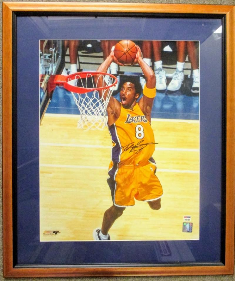 Kobe Bryant Signed Two Handed Dunk 2008 16x20 #8 Photo Framed PSA/DNA Authenticated