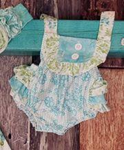 Vintage Blue Ruffle Bubble