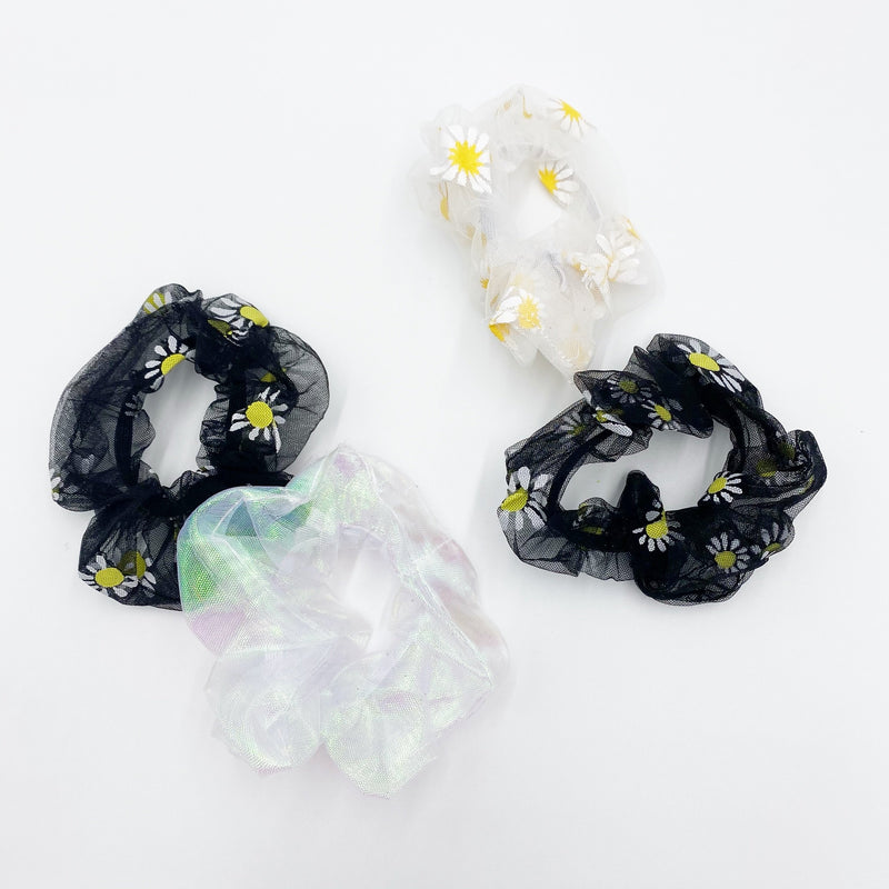 Daisy scrunchie set
