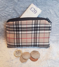 Load image into Gallery viewer, Beige Tartan Coin Purse