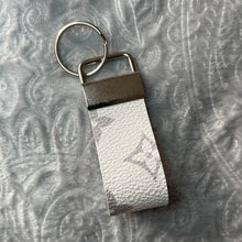 Load image into Gallery viewer, White and Grey Lulu Keyring