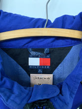 Load image into Gallery viewer, 90s Tommy Hilfiger pullover size XL