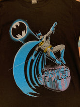Load image into Gallery viewer, 1988 Batman Shirt size Medium