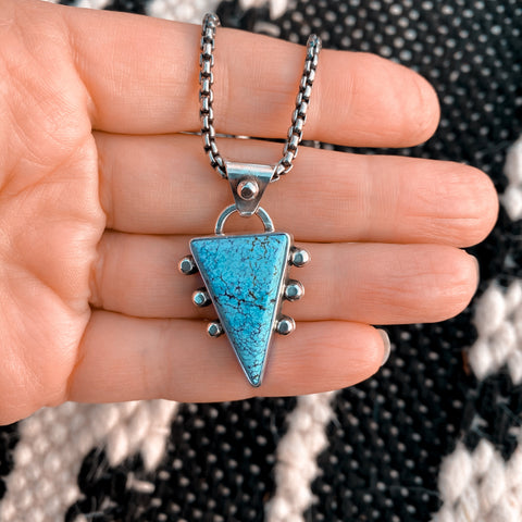 BLUE POINT TURQUOISE NECKLACE