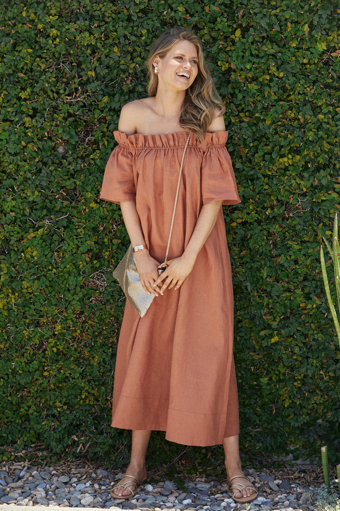 Maddie Off Shoulder Maxi Dress (Tan)