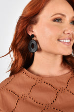 Metallic Wound Oval Drop Earrings (Gold)
