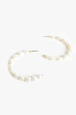 Natural Pearl Hoop Earrings (Cream/Gold)