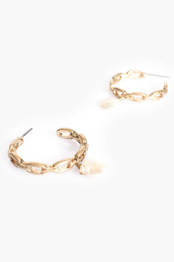 Mini Chain Pearl Drop Hoop Earrings (Gold/Cream)