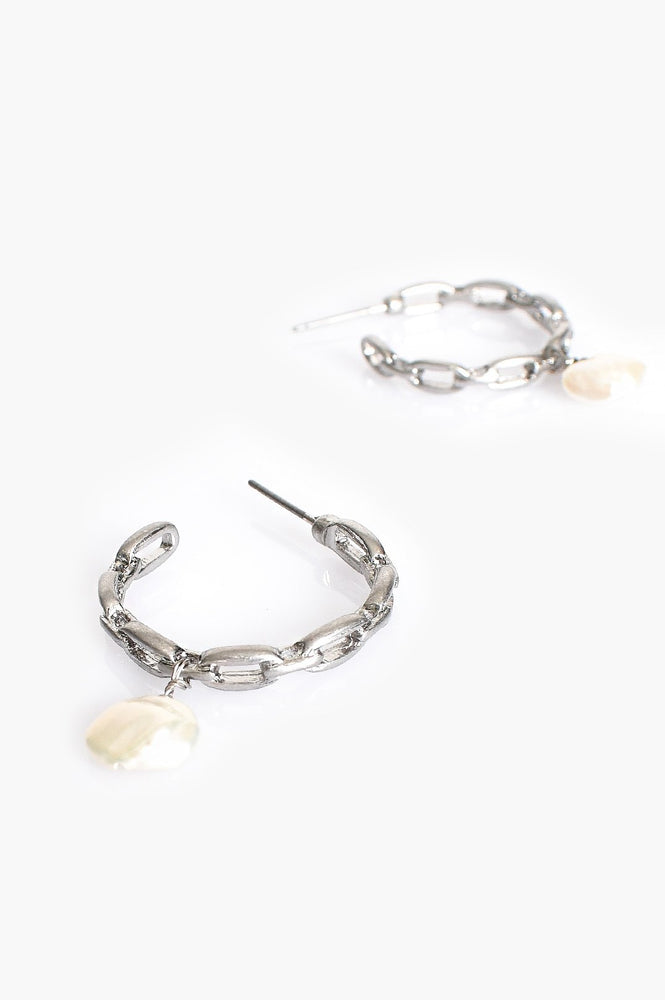 Mini Chain Pearl Drop Hoop Earrings (Silver/Cream)