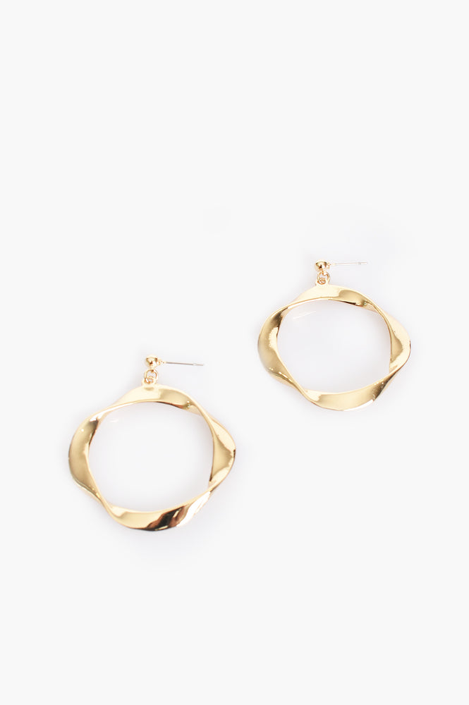 Twisted Ring Stud Earrings (Gold)