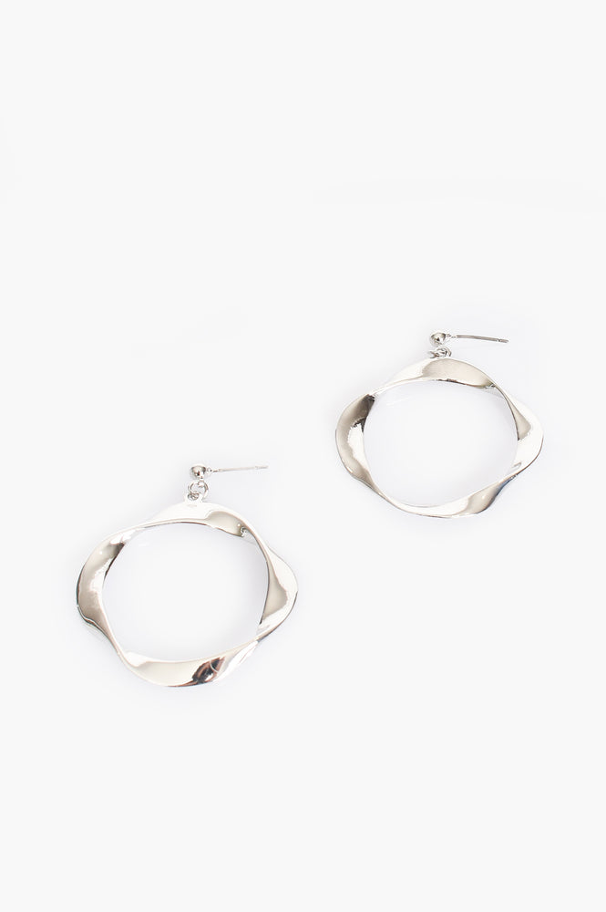 Twisted Ring Stud Earrings (Silver)