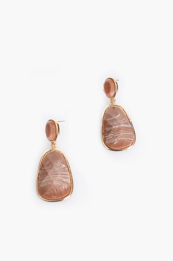 Kirra Facet Resin Drop Earrings (Mocha/Gold)