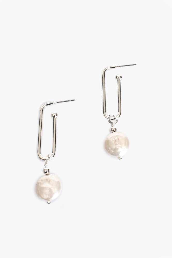 Long Link Button Pearl Earrings (Cream/Silver)