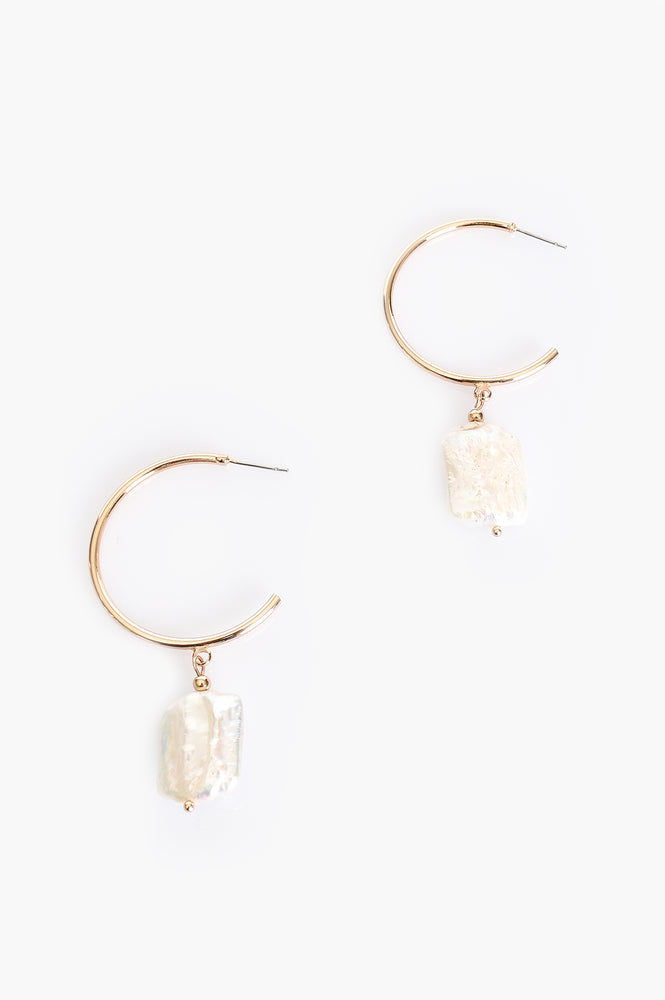 Freshwater Pearl Drop Hoop Earrings (Cream/Gold)