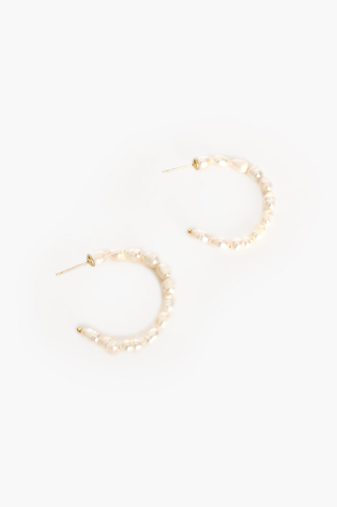 Fine Small Pearl Hoop Earrings (Cream/Gold)