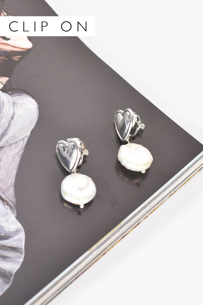 Hearts Desire Pearl Drop Earrings (Silver/Cream)