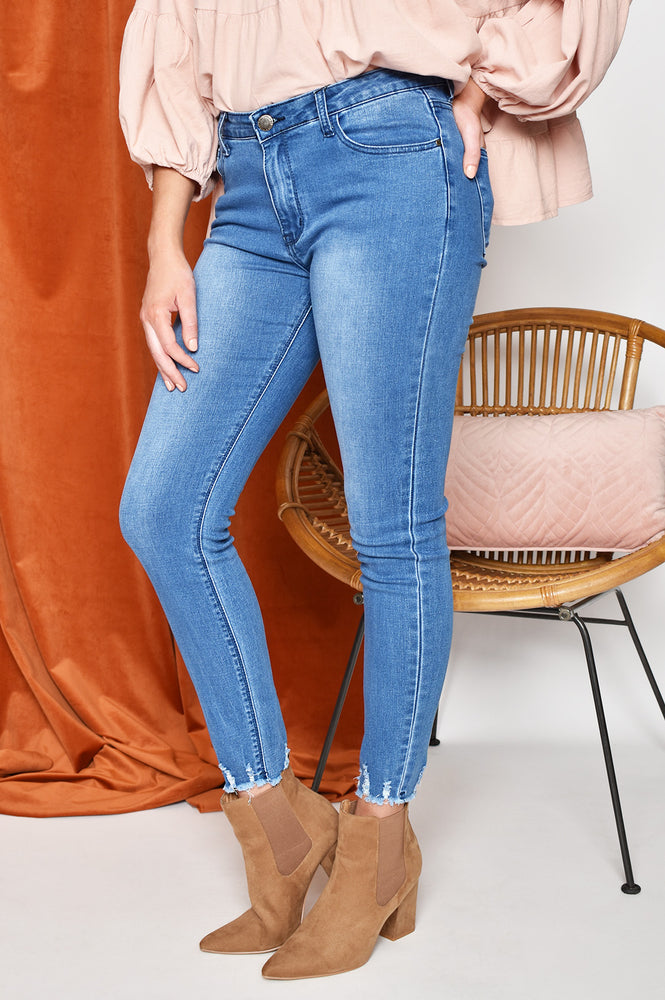 Frayed Hem Stretch Jean (Denim)