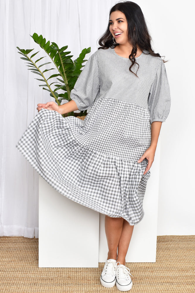 Check Tiered Dress (Grey)