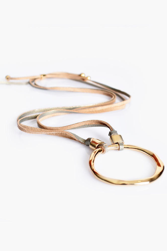 Beaten Ring Leather Back Necklace (Gold)