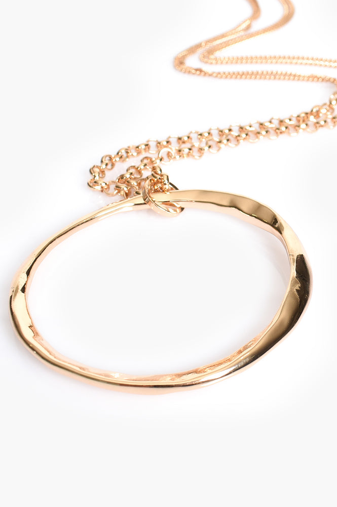 Beaten Ring Pendant Necklace (Gold)