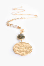 Stone Teardrop and Circle Pendant Necklace (Green/Gold)