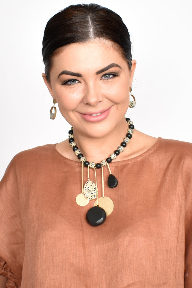 Statement Pendant Drops Necklace (Black)