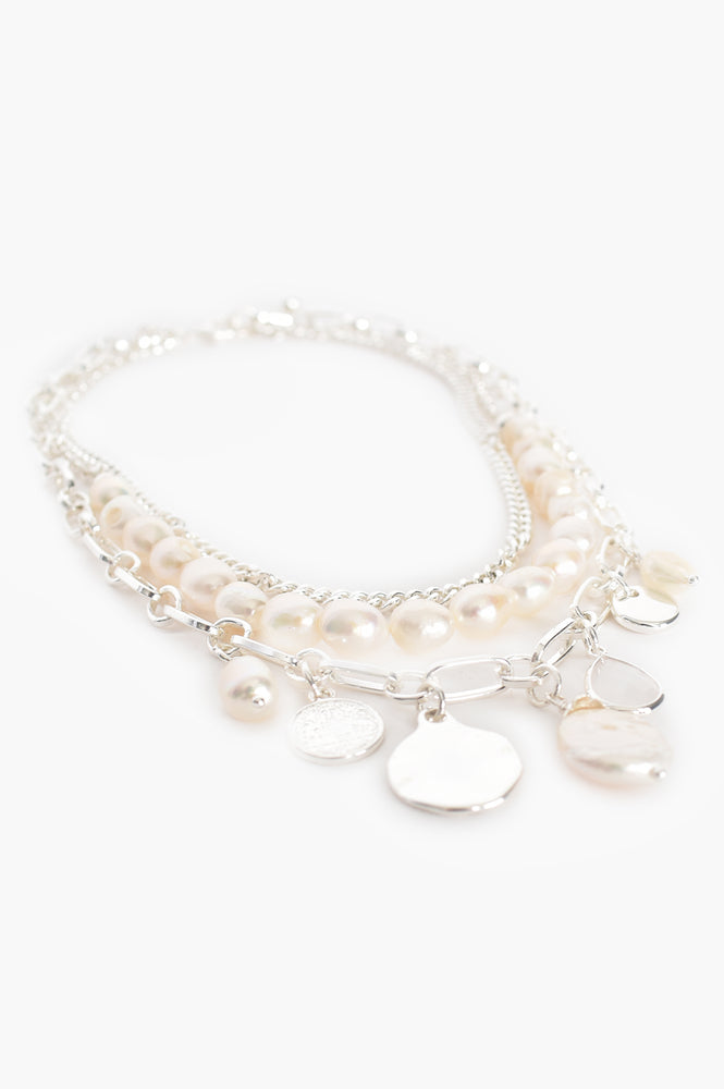 Layered Pearl Disc Necklace (Cream/Silver)