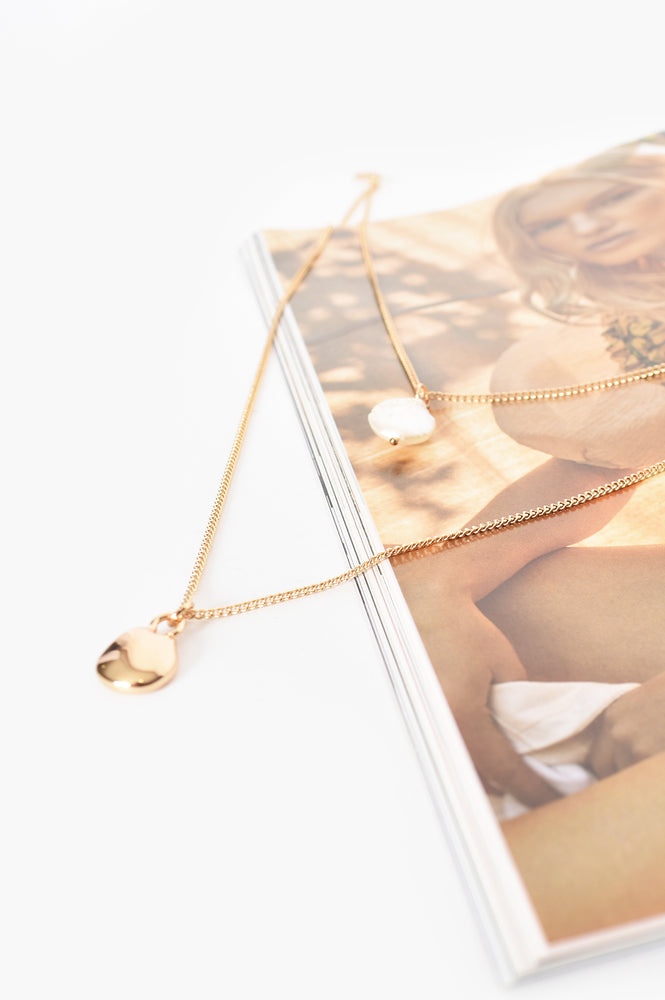 Cast Pearl Fine Layer Necklace (Gold)