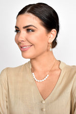 Freshwater Pearl Front Short Necklace (Cream/Gold)