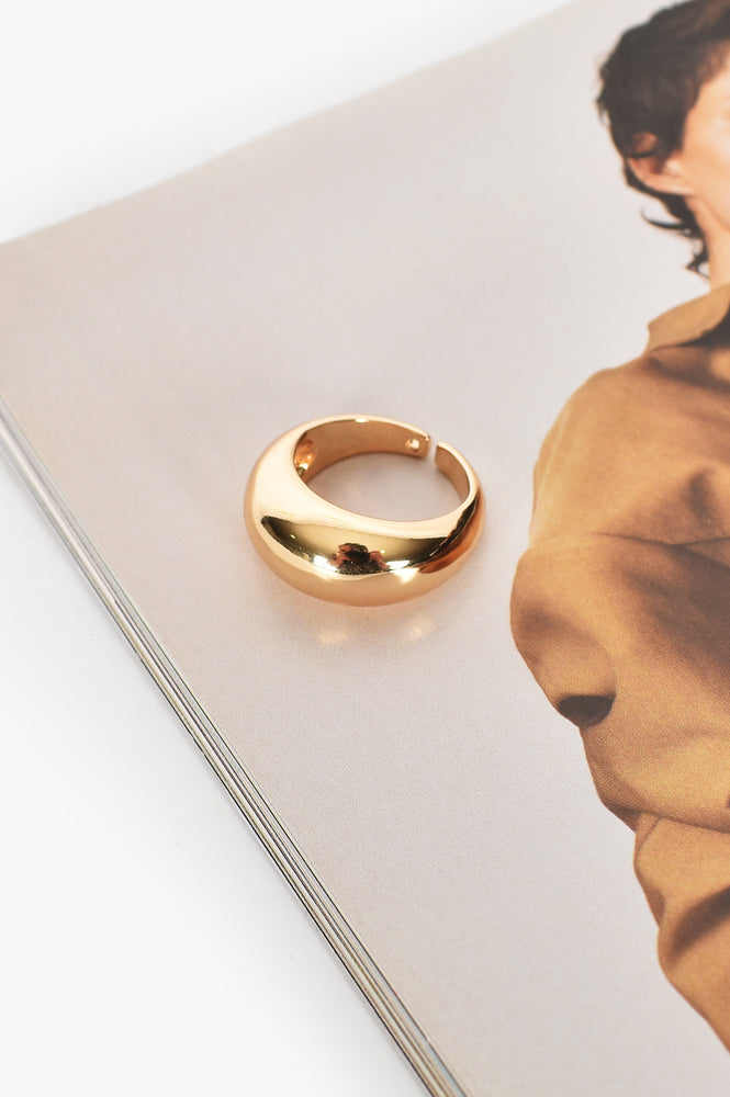 Curved Front Open Back ring Size 8 (Gold)
