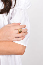 Metal Signet Ring (Gold)