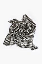 Crinkle Check Fringe Edge Scarf (Black)