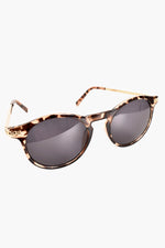 Boss Lady Casual Sunglasses (Tort)
