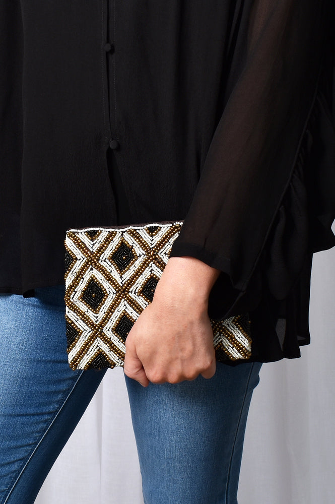 Beaded Diamond Pattern Pouch (Black/Natural)