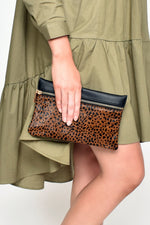 Hide Zip Front Rectangle Pouch (Leopard/Tan)