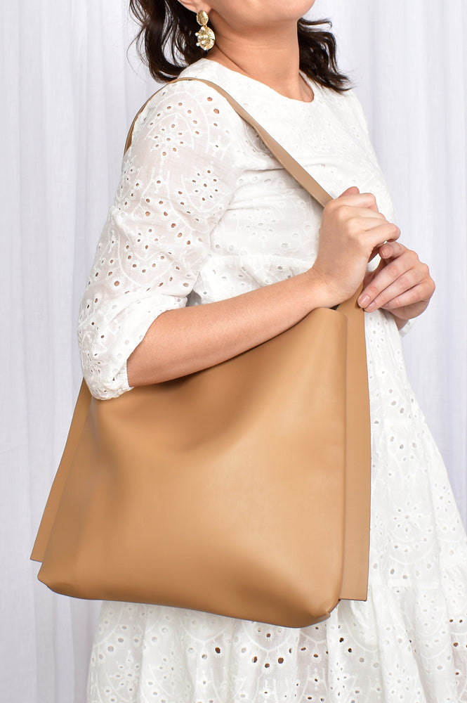 Edge Detail Essential Tote (Tan)