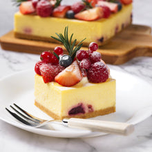 Load image into Gallery viewer, Mixed berries cheese cake