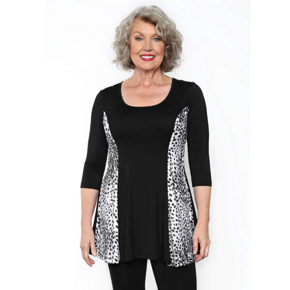 Fit and Flare Special Tops Black-Snow Leopard / S Covered Perfectly
