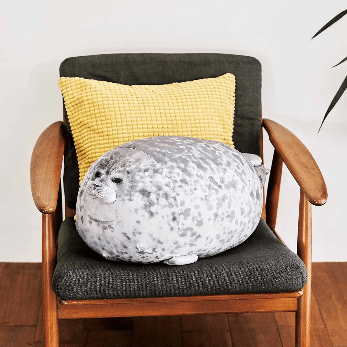 (BUY 2 FREE SHIPPING)Fluffy Plush Seal Pillow