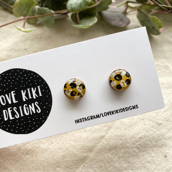 ROUND Resin Wooden Earrings / Mustard and Black