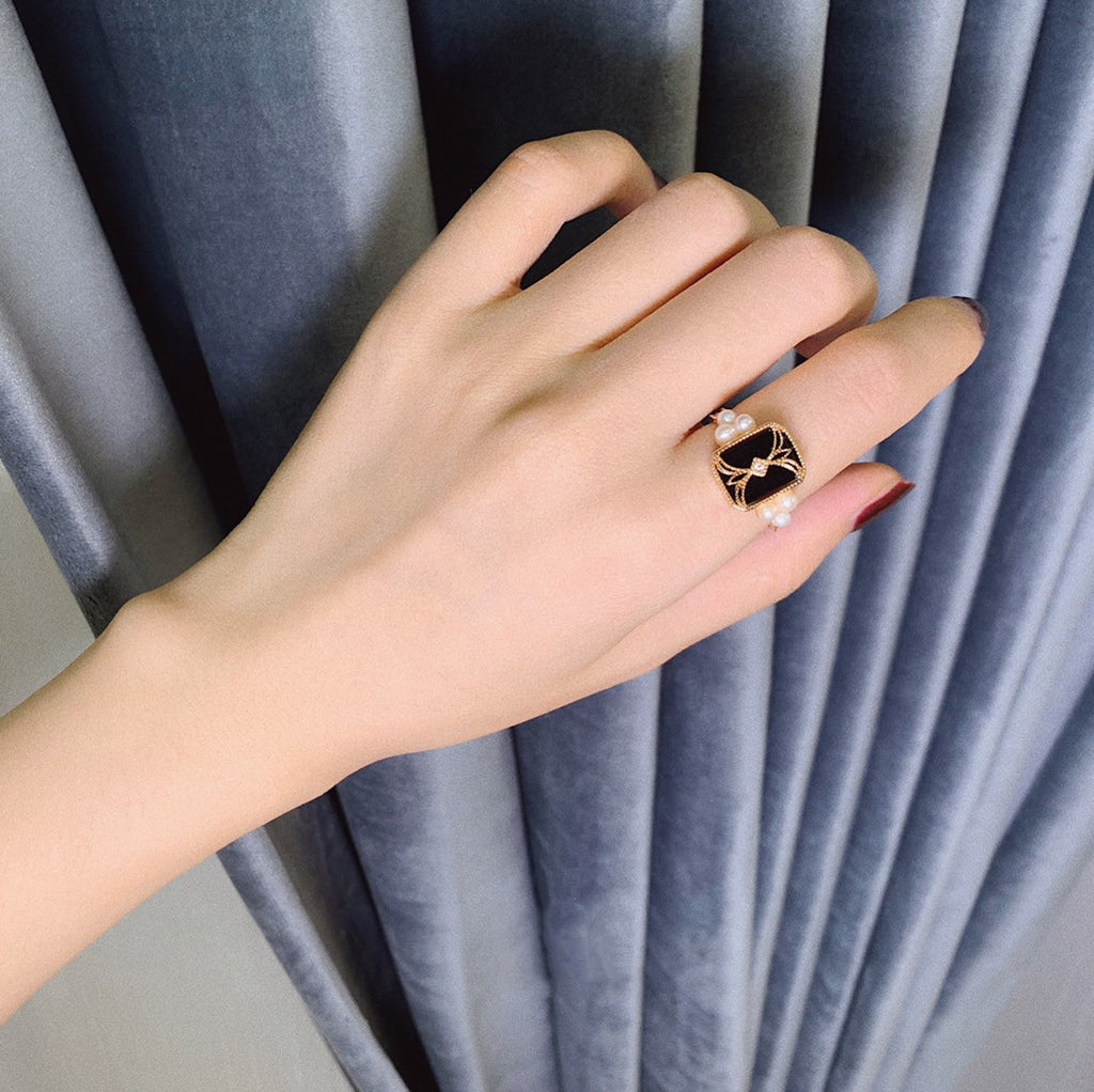 Black Agate and Pearl Vintage Ring