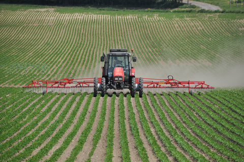 tractor on field agriculture in usa