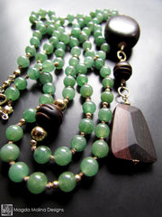 The Long Aventurine And Ebony Necklace With A Touch Of Gold