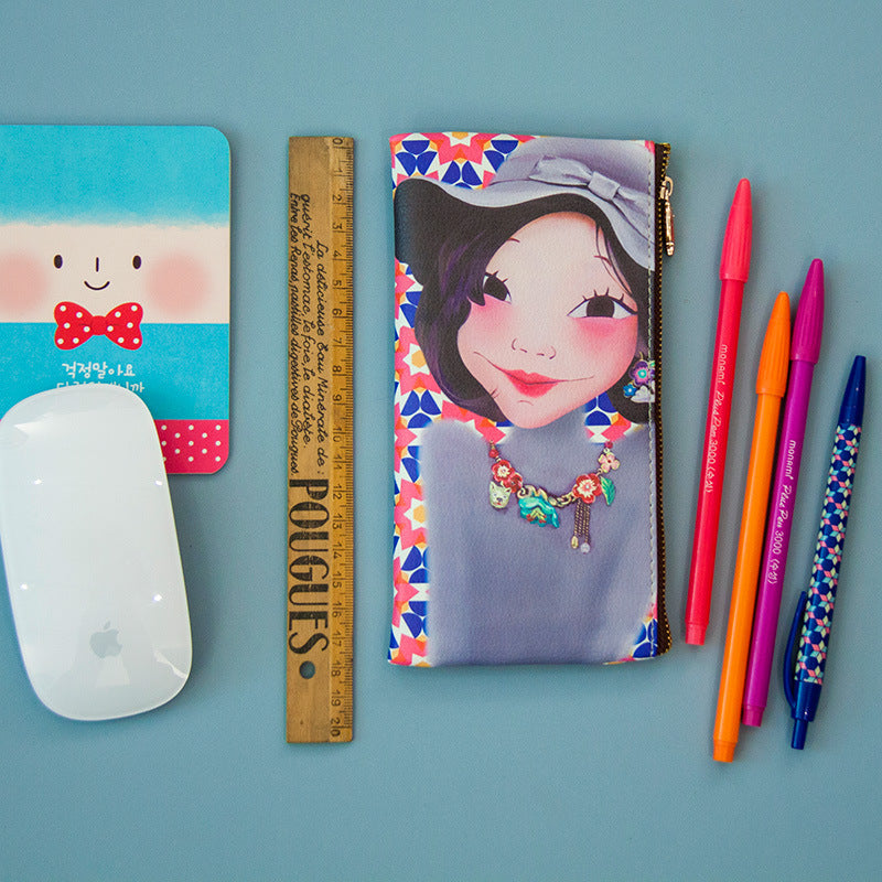 Luxury queen's new pencil case