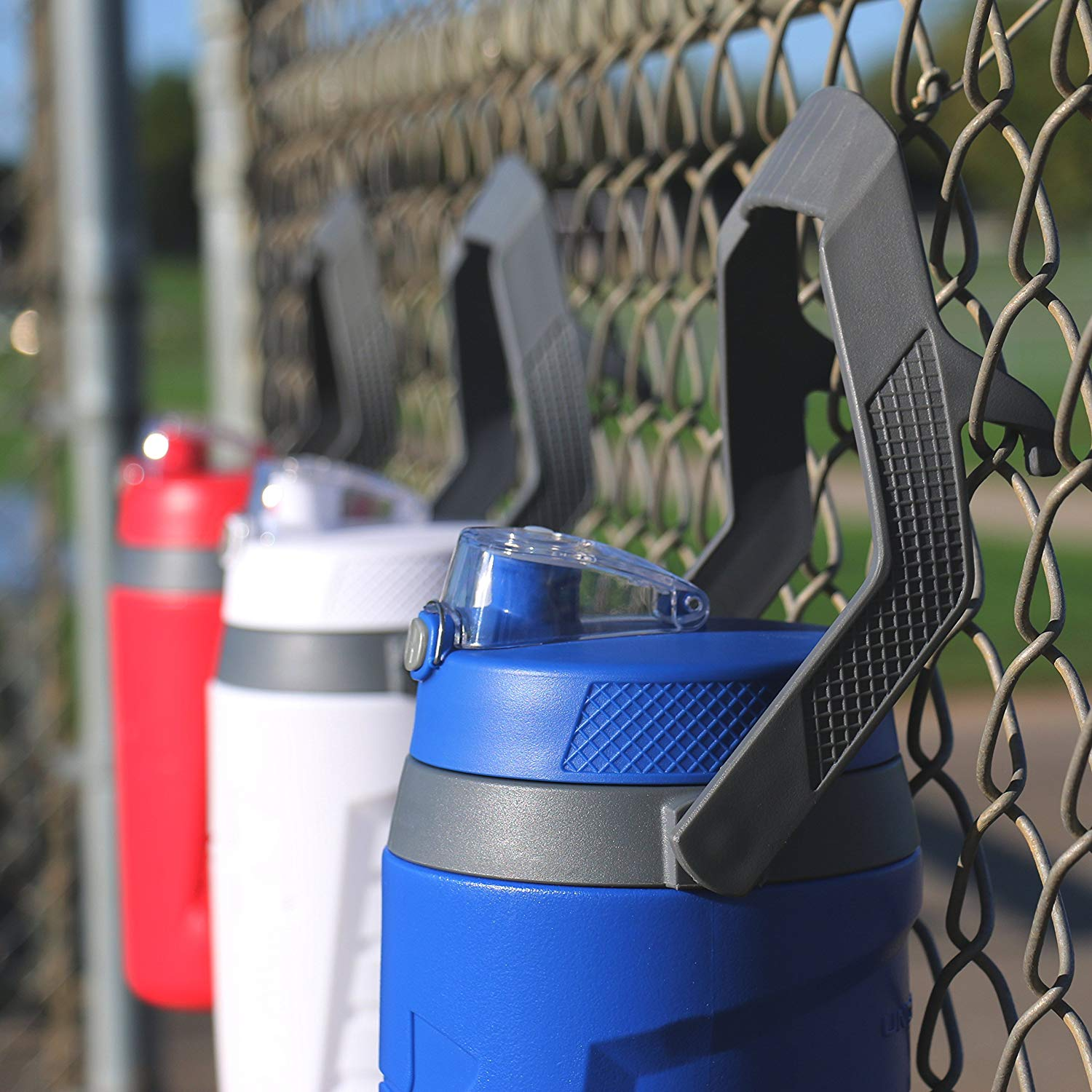 Under Armour UA Sideline 64 Ounce Foam Insulated Hydration Water Bottle - EcoFreax | Think Bigger.