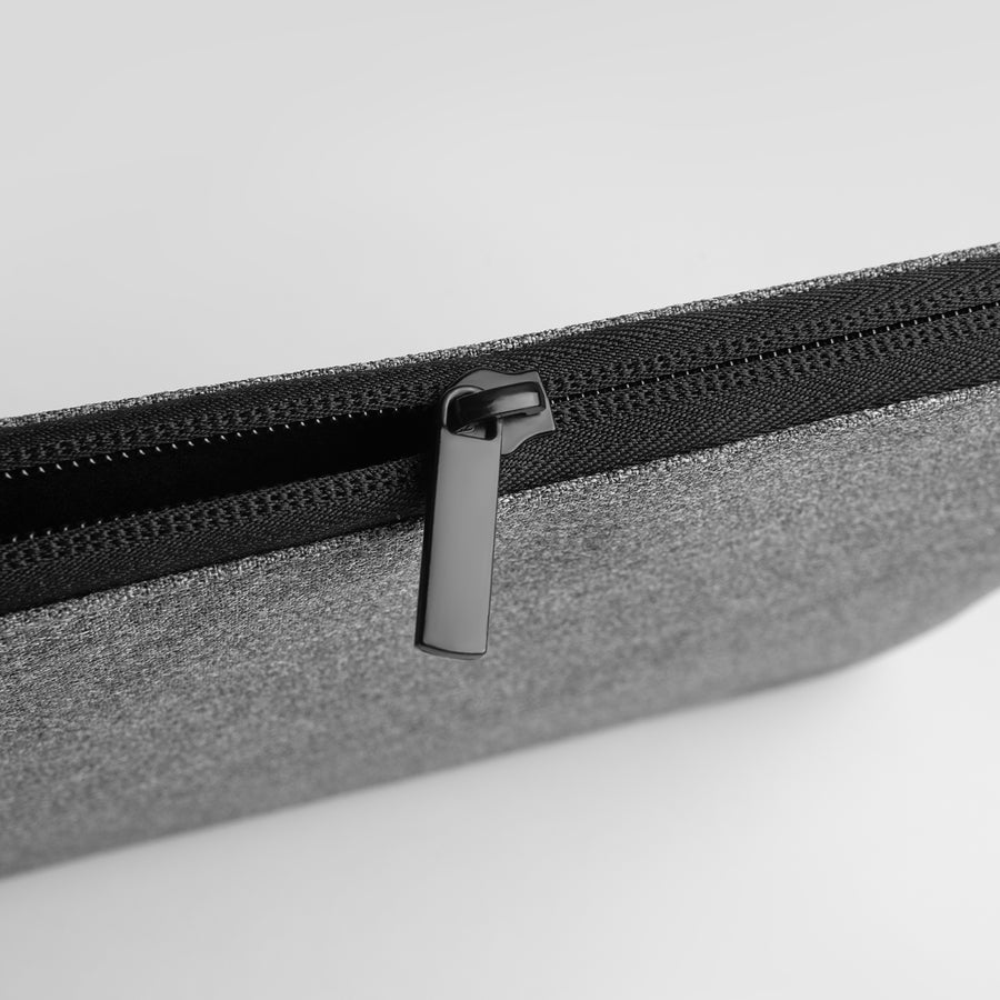 Slim Zipper Pouch for MacBooks