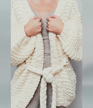 Load image into Gallery viewer, Oversized Chunky Knit Cardigan